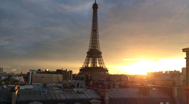 Paris La Ville De L Amour Or The Dirty City Easywriters