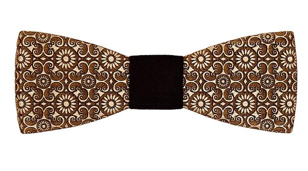 Wooden-bow-tie-bellis